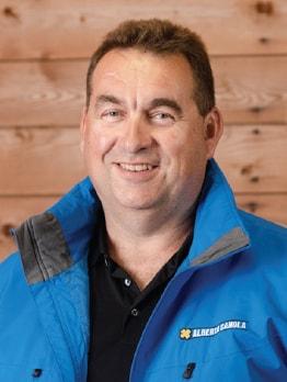 Headshot of John Guelly